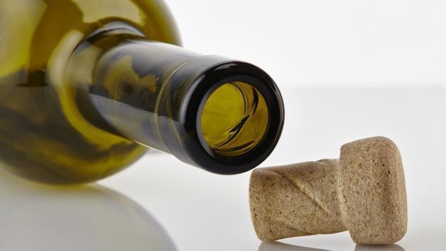 Cómo abrir una botella de txakoli